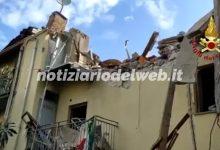 Torino, crolla palazzina di due piani in strada del Bramafame